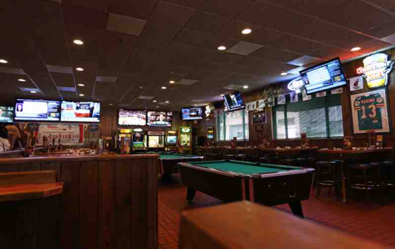 Fort Lauderdale Ale House Game Room