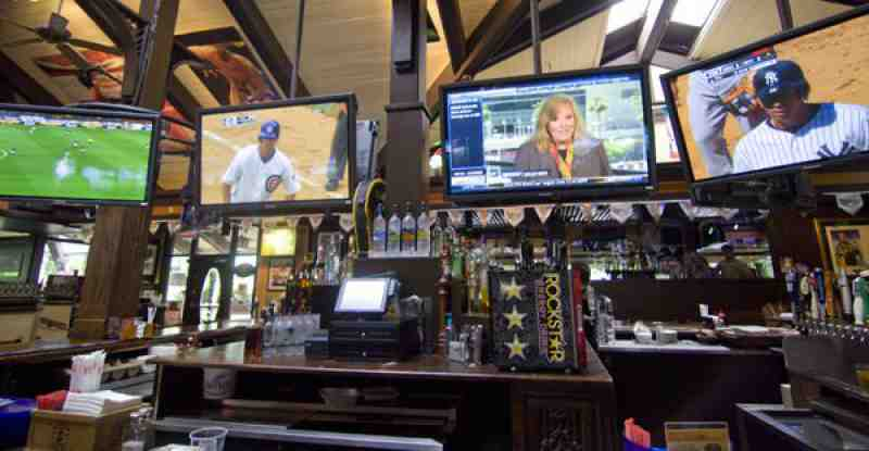 Review Of Bokamper S Sports Bar Amp Grill 33324 1280 S Pine Isl