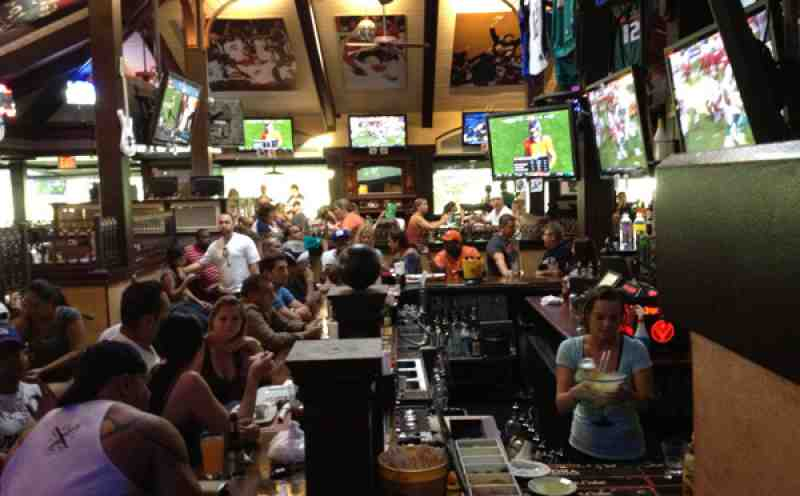 Bokampers Crowd for Sunday Football