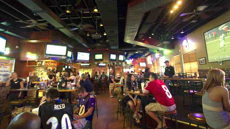 Review of Bru\'s Room Sports Grill 33444 Restaurant 35 NE 2nd A
