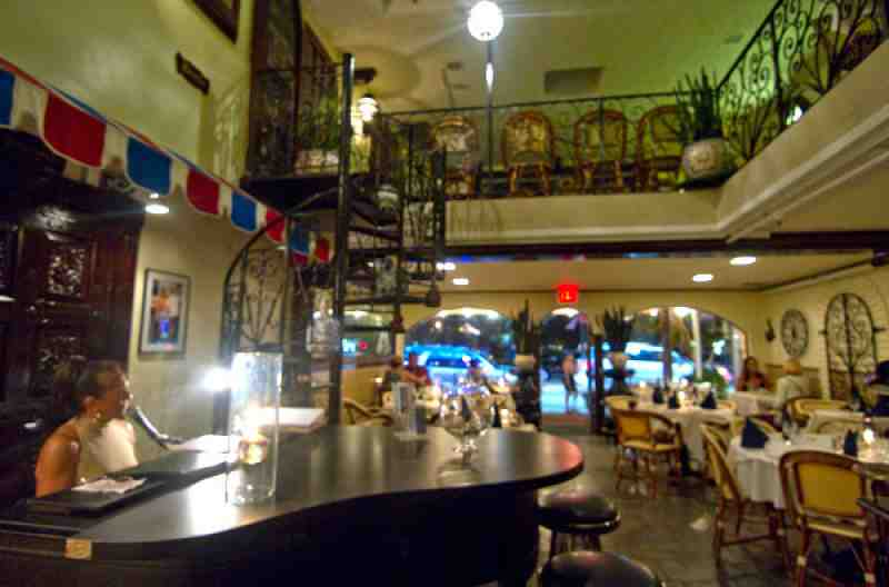 cafedeparis_inside.jpg
