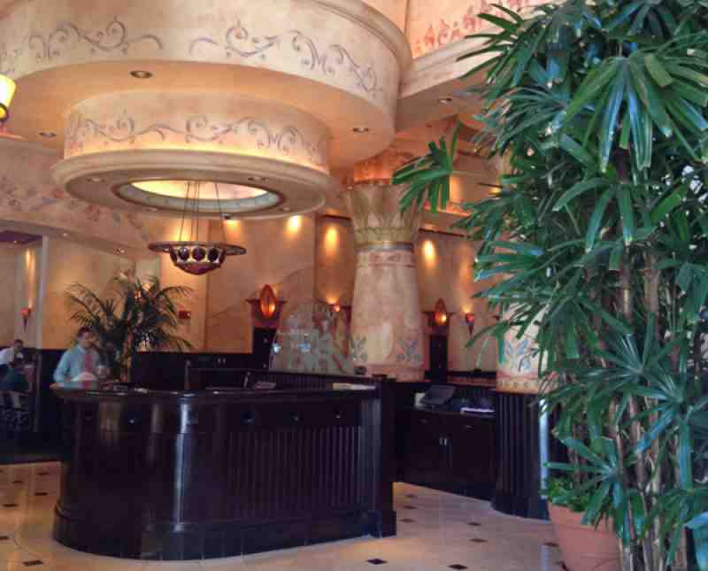 Cheesecake Factory Fort Lauderdale Lobby