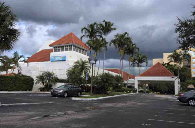 Review of city fish market 33434 restaurant 7940 glades rd for Boca raton fishing