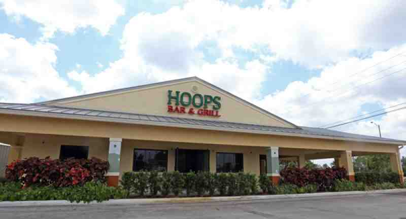 Hoops Sports Bar And Grill 33328 Restaurant 4599 S University