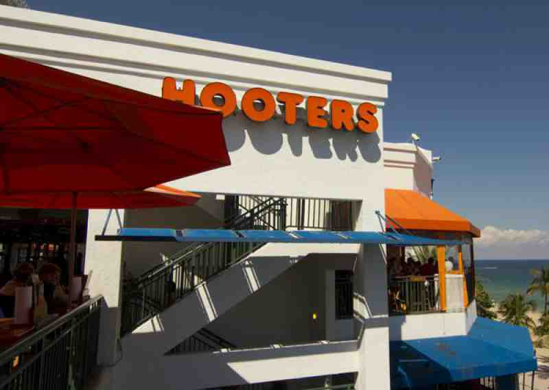 hooters beachplace