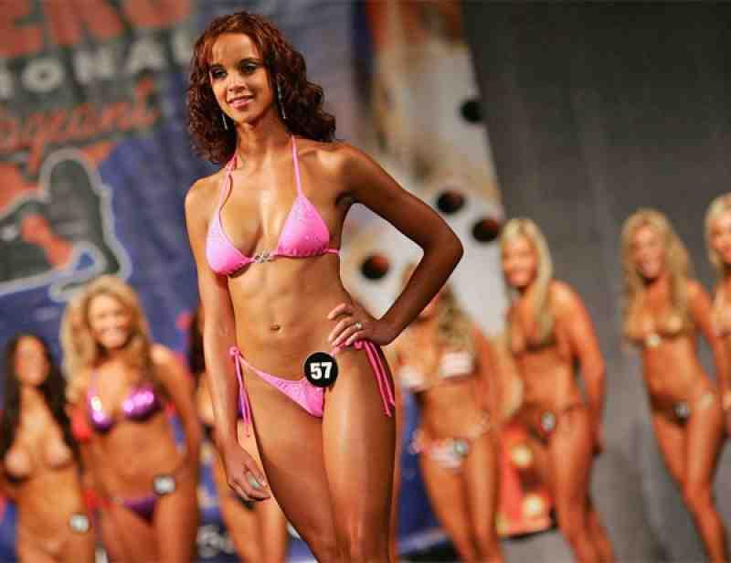 2008 Hooters Bikini Winner