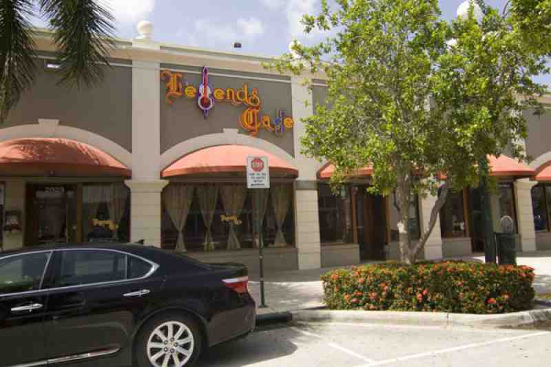 Myra Restaurant Cafe Bar