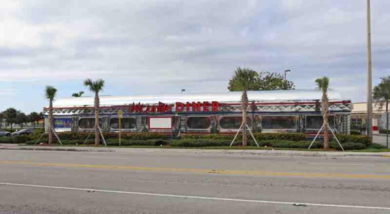 Review Of Moonlite Diner 33020 Restaurant 3500 Oakwood Blvd