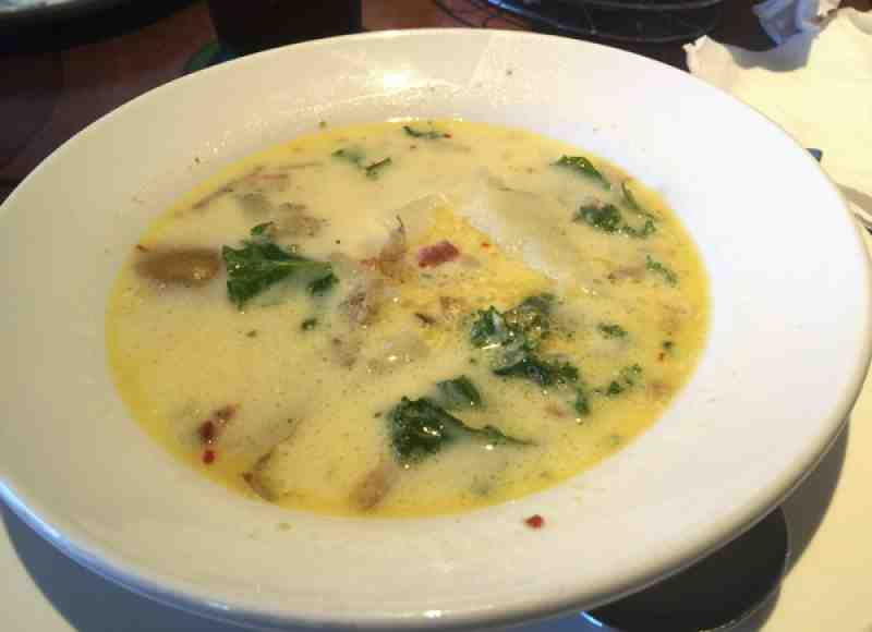 Review of olive garden 33433 restaurant 22161 powerline rd for Olive garden potato sausage kale soup recipe