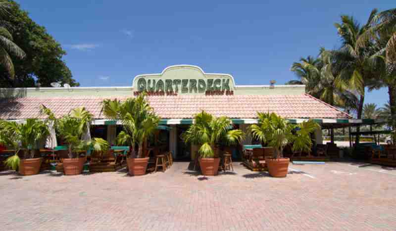 quarterdeck lasolas