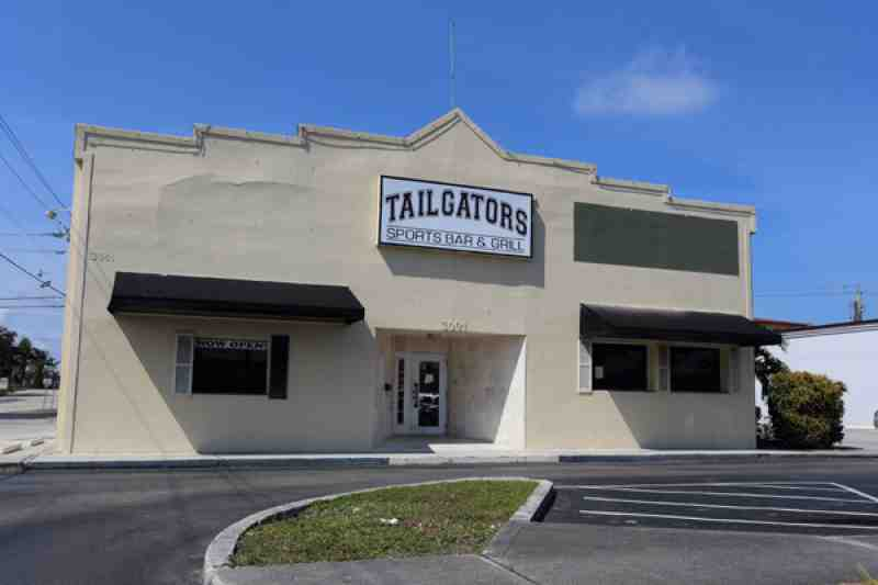 tailgators closed