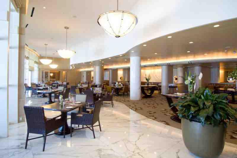 Via Luna Ritz Carlton Restaurant